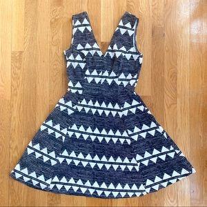 H&M Dress Small A-Line V-neck Black&White pattern